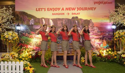 Vietjet Air va inaugurer la ligne directe Da Lat-Bangkok hinh anh 1