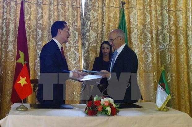 Diversifier les relations Vietnam-Algerie hinh anh 1