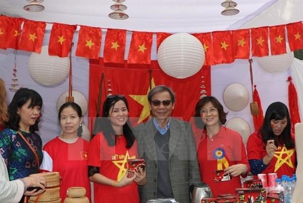 Le Vietnam participe a une foire de charite en Inde hinh anh 1