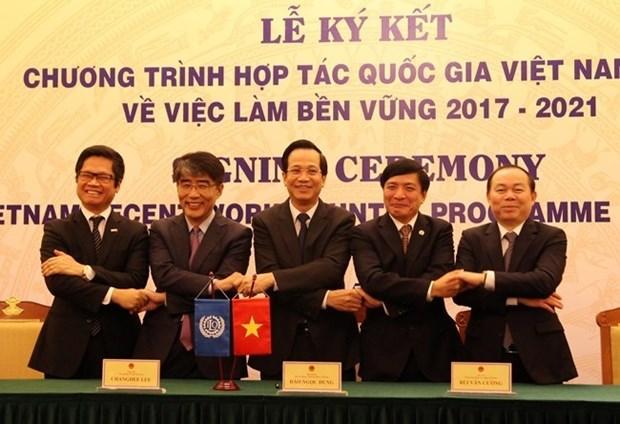 Le Vietnam et l'OIT signent un pacte de cooperation sur l'emploi durable hinh anh 1