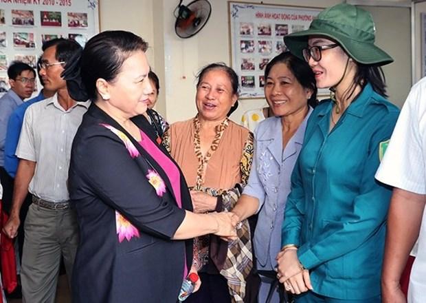 La presidente de l'Assemblee nationale rencontre des electeurs de Can Tho hinh anh 1