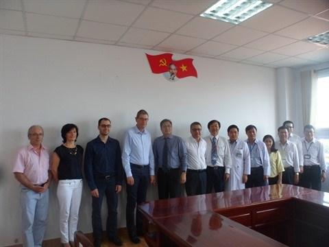 Le Centre hospitalier de Perigueux aidera des etablissements a Hanoi et Can Tho hinh anh 1