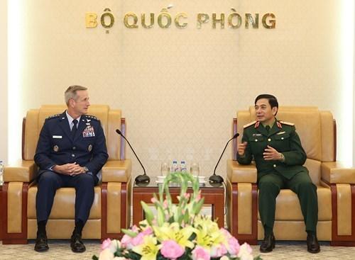 Le chef d'etat-major general recoit commandant des forces aeriennes americaines du Pacifique hinh anh 1