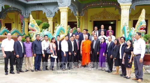 Visite d'une delegation du ministere cambodgien des Rites et de la Religion a Soc Trang hinh anh 1