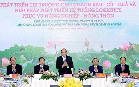 Le PM au forum sur les debouches des fruits et legumes a Dong Thap hinh anh 1