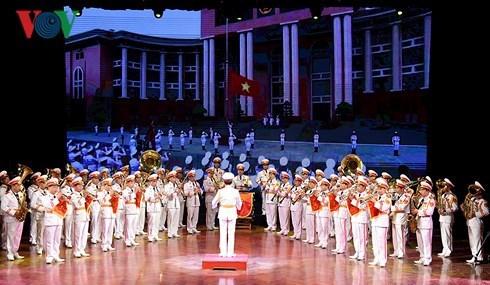 Activites a l'occasion des 73 ans de l'Armee populaire vietnamienne hinh anh 1