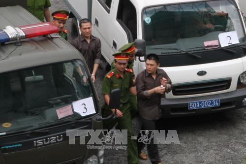 Quinze accuses sont emprisonnes pour acte terroriste hinh anh 1