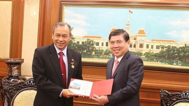 Le president du Comite populaire de Ho Chi Minh-Ville recoit le consul general d'Indonesie hinh anh 1