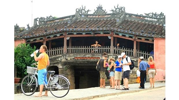 Hoi An a accueilli 3,22 millions de touristes en 2017 hinh anh 1