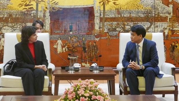 Le president du comite populaire de Hanoi recoit l'ambassadrice de Cuba hinh anh 1