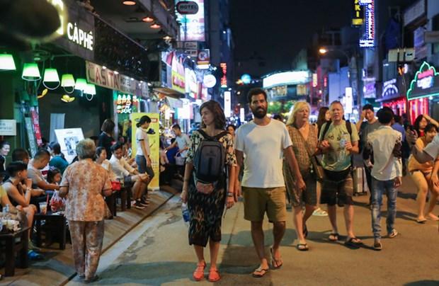 Le secteur touristique rapporte 116 milliards de dongs a HCM-Ville hinh anh 1