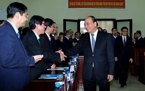 Le PM Nguyen Xuan Phuc en deplacement a Thua Thien-Hue hinh anh 1