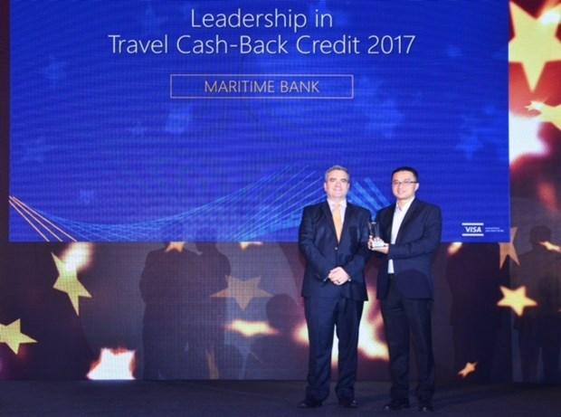 Maritime Bank recoit le Prix de la meilleure carte de credit de remboursement de voyage 2017 hinh anh 1