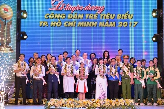 Ho Chi Minh-Ville : dix jeunes citoyens exemplaires a l'honneur hinh anh 1
