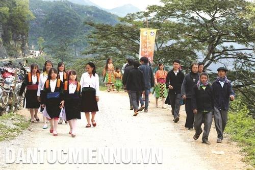 Le marche de l'amour de Khau Vai hinh anh 4