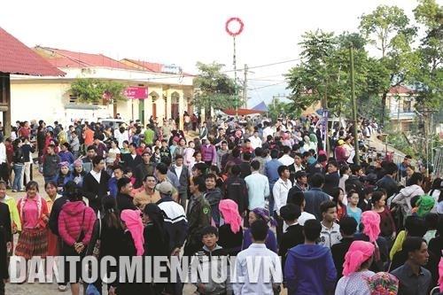 Le marche de l'amour de Khau Vai hinh anh 5