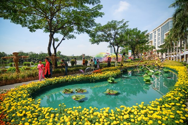 Ho Chi Minh-Ville : des foires aux fleurs pour accueillir le Tet hinh anh 1