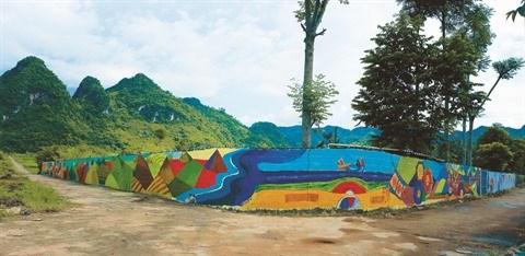 Un village aux fresques murales a Hoa Binh hinh anh 1