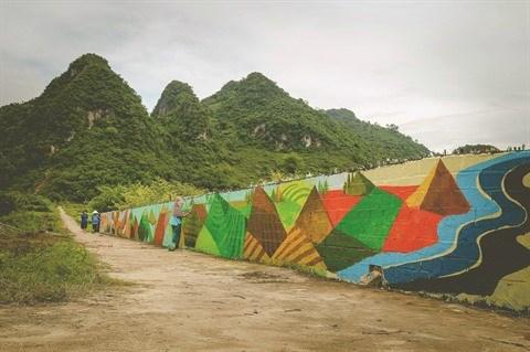 Un village aux fresques murales a Hoa Binh hinh anh 2