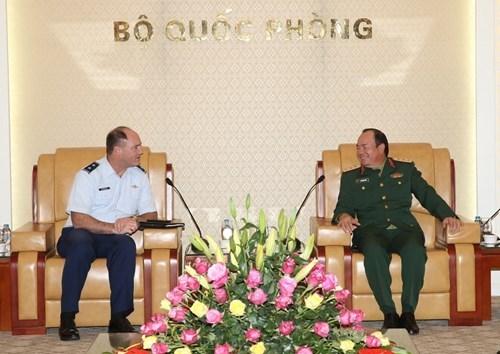 Vietnam - Etats-Unis : Bon developpement de la cooperation de defense hinh anh 1