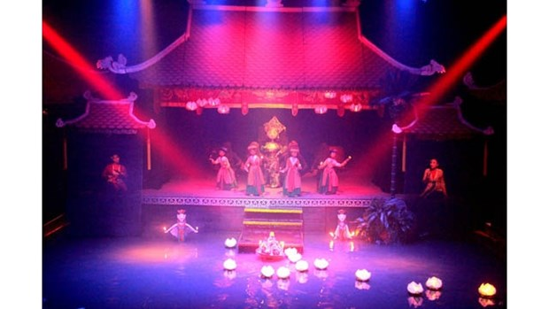 Circuit touristique d'experiences sur l'art des marionnettes sur l'eau hinh anh 1