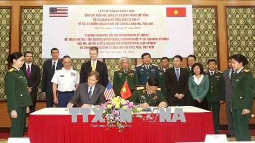 L'USAID aide le Vietnam a decontaminer la dioxine a l'aeroport de Bien Hoa hinh anh 1
