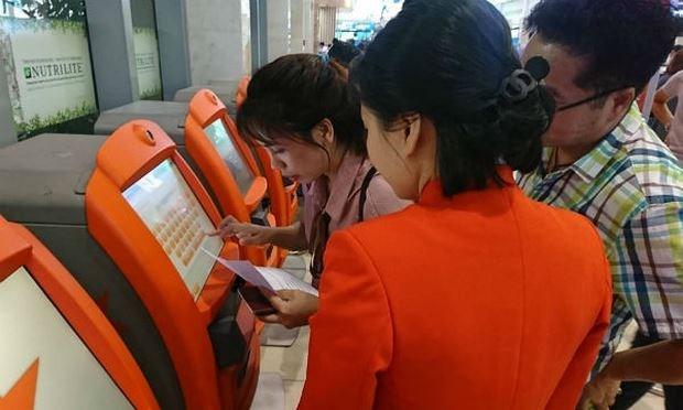 Jetstar Pacific met en service des kiosques d'auto-enregistrement des bagages a l'aeroport hinh anh 1
