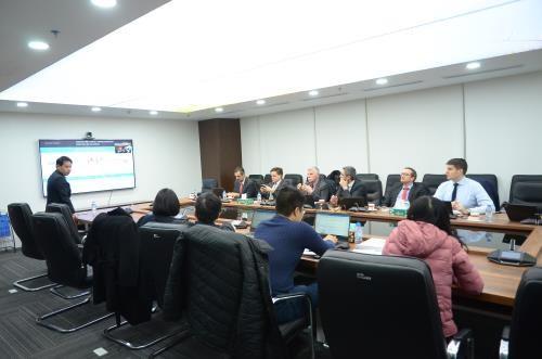Le groupe Hoa Phat et celui italien Danieli etudient la production de l'acier inoxydable hinh anh 1