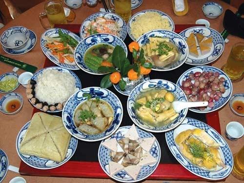 Le repas du reveillon, un trait culturel traditionnel des Hanoiens hinh anh 2