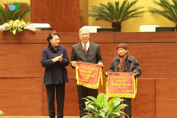 Des dirigeants formulent leurs vœux du Tet dans plusieurs localites hinh anh 1