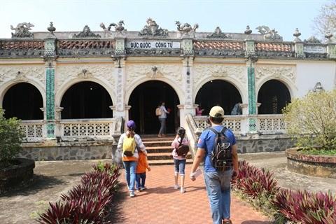 A la decouverte du mausolee royal de la lignee familiale de Pham Dang Hung hinh anh 1