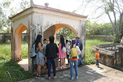 A la decouverte du mausolee royal de la lignee familiale de Pham Dang Hung hinh anh 2