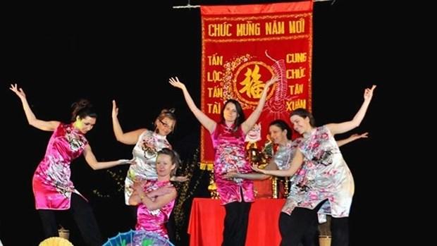 Accueillir le Tet traditionnel du Vietnam avec l'Association « Le Liseron » hinh anh 1