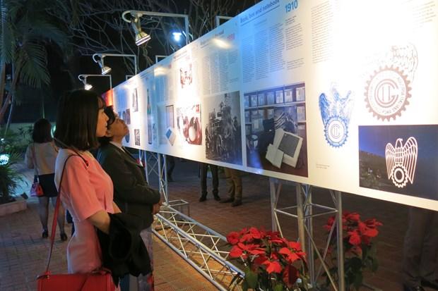 L'exposition «50 +! Le jeu de la grande industrie» a Hanoi hinh anh 1
