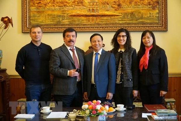 Le Vietnam et la Russie discutent d'opportunites dans l'education hinh anh 1