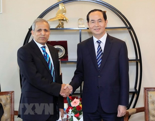 Le president Tran Dai Quang rencontre des dirigeants bangladais hinh anh 2