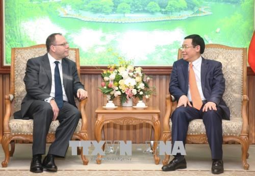 Prudential s'engage a mener ses activites a long terme au Vietnam hinh anh 1