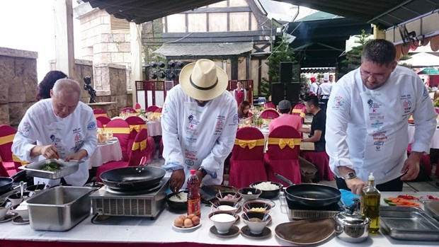 De grands chefs cuisiniers au 3eme Festival international de la gastronomie de Hoi An hinh anh 1
