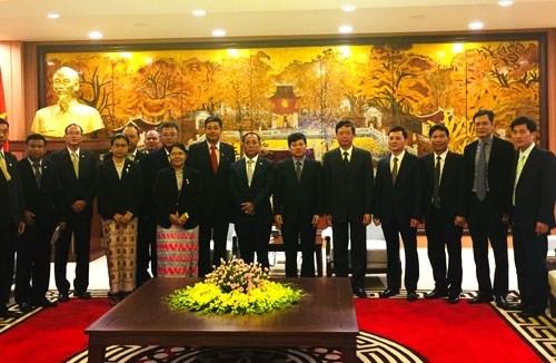 Reception a Hanoi du ministre birman des Affaires frontalieres hinh anh 1