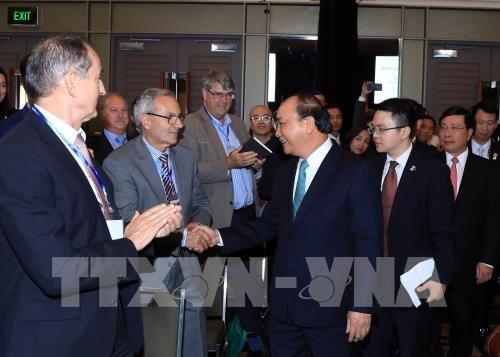 Le PM Nguyen Xuan Phuc au Forum d'affaires Vietnam-Australie hinh anh 1