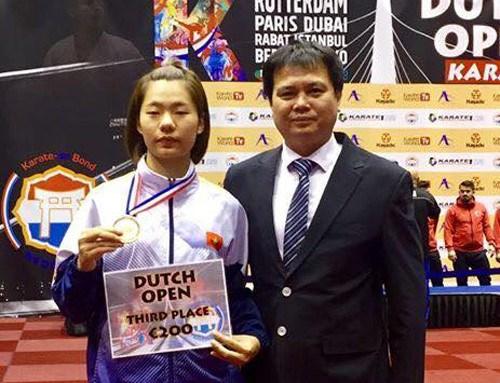 La karateka Nguyen Thi Ngoan remporte une medaille de bronze aux Pays-Bas hinh anh 1