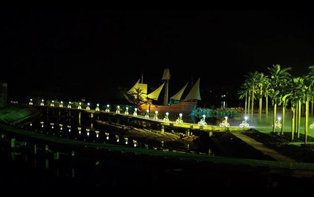 Deux records du Vietnam au programme artistique « Memoire a Hoi An » hinh anh 2