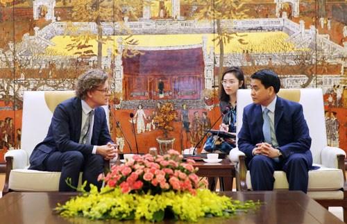 Hanoi intensifie la cooperation avec la Suede dans le transport public hinh anh 1
