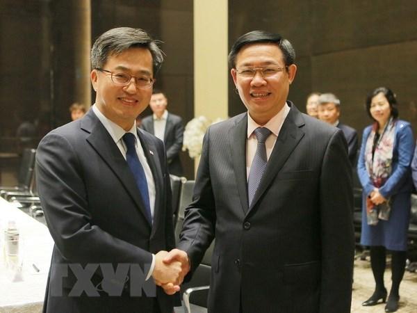 Le Vietnam attache de l'importance aux liens economiques avec la Republique de Coree hinh anh 1