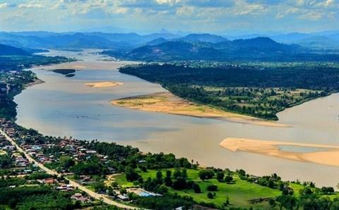Le Vietnam renforce la cooperation regionale pour son developpement socio-economique hinh anh 1