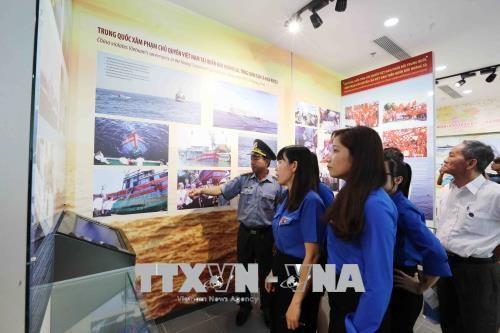 Inauguration de la maison d'exposition Hoang Sa a Da Nang hinh anh 2