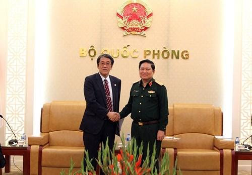Renforcement de la cooperation dans la defense entre le Vietnam et des pays hinh anh 1