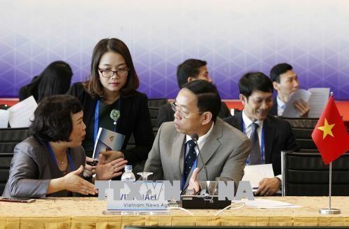 GMS-6 et CLV-10: renforcement du dialogue et des liens entre entreprises hinh anh 1