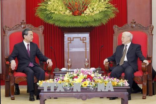 Le Vietnam prend en haute consideration les relations avec la Chine hinh anh 1