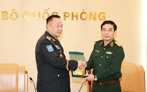 Vietnam-Mongolie : renforcement de la cooperation dans la defense hinh anh 1